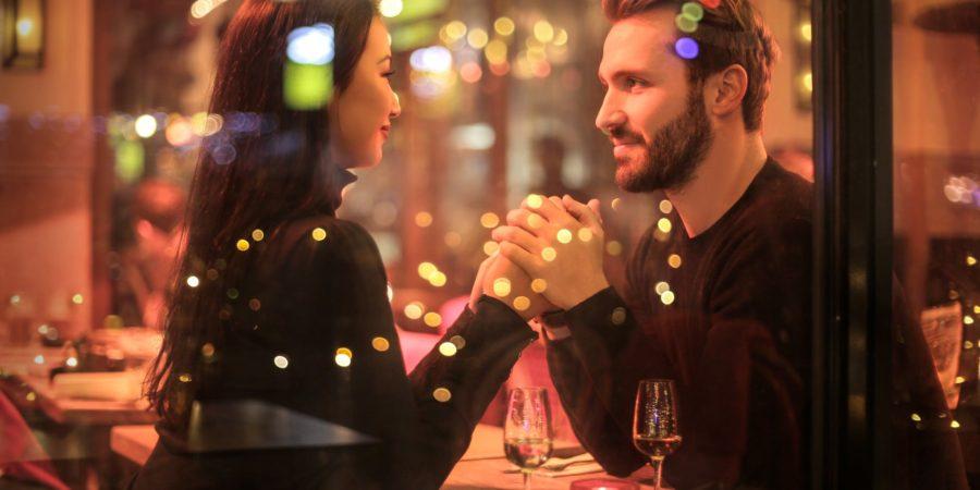 Kombiner takeaway, romantik og tid til hinanden